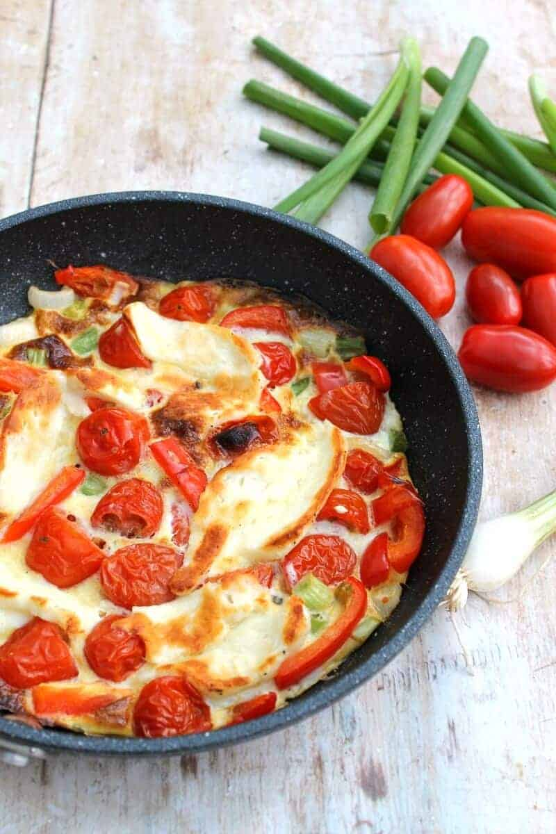 halloiumi frittata with red peppers