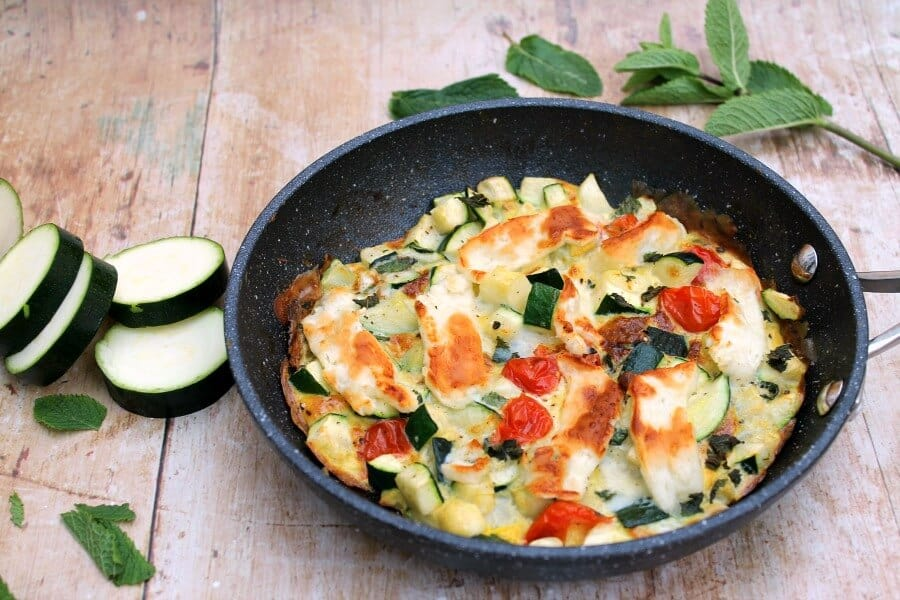 Courgette frittata with mint and halloumi