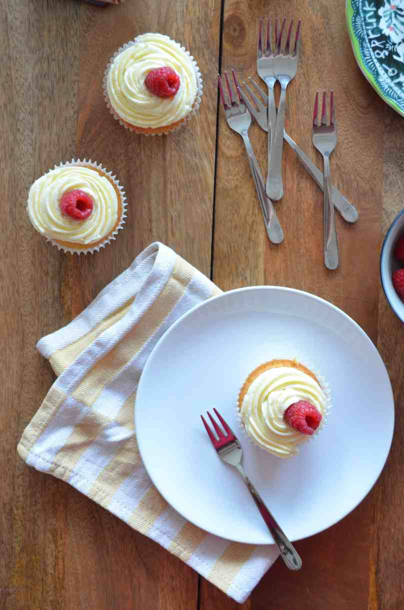 lemon-curd-raspberry-cupcakes