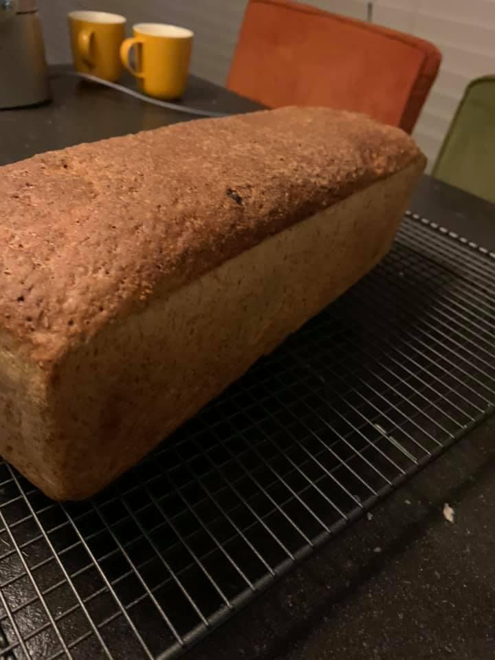 Brood zakt in tijdens het bakken - Foto: Eline Van Den Hoven
