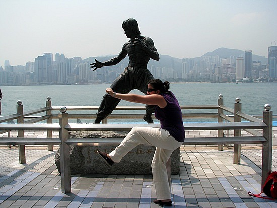 1.1306947940.bruce-lee-statue-at-the-avenue-of-the-stars