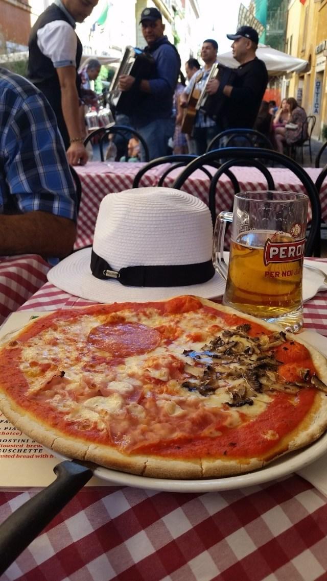 15.1442846001.al-fresco-lunch-along-borgo-pio