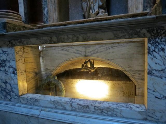 15.1442846001.raphael-s-tomb