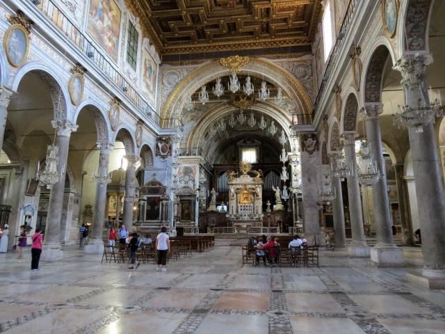 15.1442932408.inside-santa-maria-aracoeli