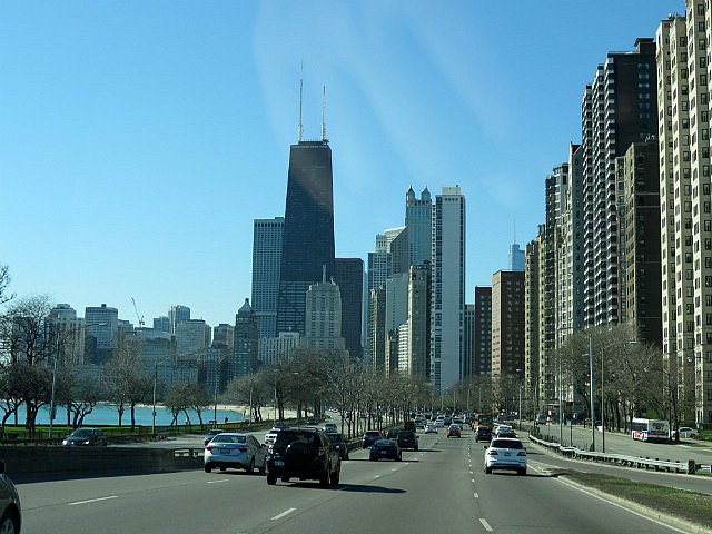 13.1429824187.coming-into-the-city-from-lake-shore-drive.jpg