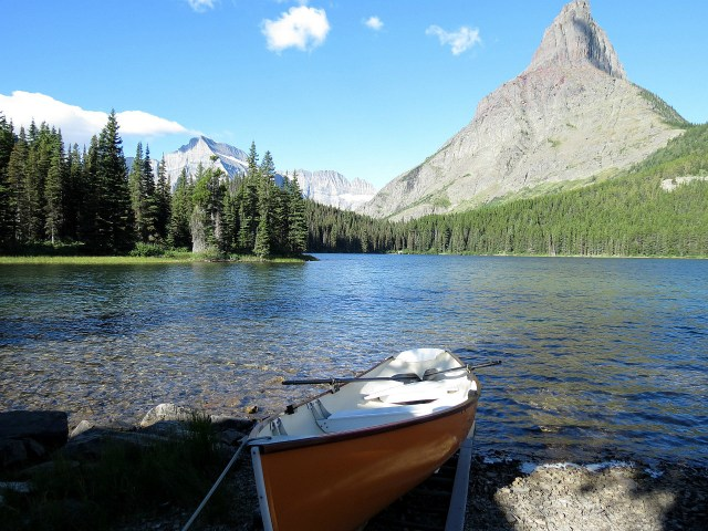 14.1438165246.peaceful-start-of-the-hike-at-swiftcurrent-lak