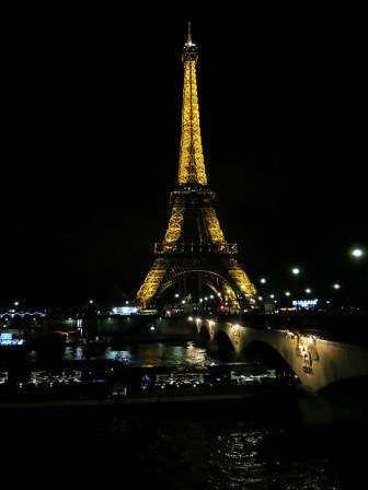 7.1355787311.the-eiffel-from-across-the-seine