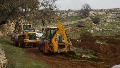 صورة الاحتلال يجرف أراضي المواطنين في دير قديس ونعلين غرب رام الله