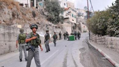 صورة الاحتلال يعتقل شابا من حي بطن الهوى في القدس المحتلة