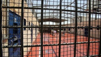 صورة إدارة سجون الاحتلال تفرض إجراءات عقابية جماعية بحق الأسرى