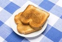 صورة دراسة تؤكد اضرار تحميص الخبز في وجبة الفطور صباحاً