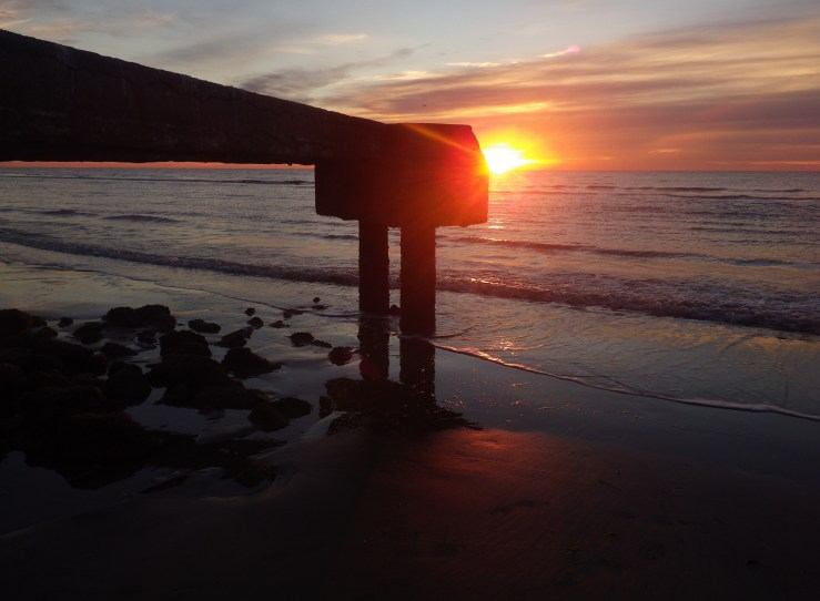 Galveston in January sunrise tide