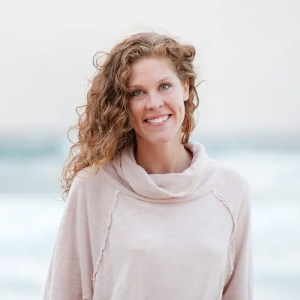 An image is shown of Yoga Teacher & Meditation Researcher Gemma Perry. Her advice is featured in Part I of Balanced Achievement's article '6 Spiritual Teachers on America's Divisive Political Climate'.