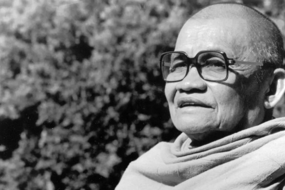 An image shows the iconic Buddhist monk Ajahn Chah. This photo is the featured image for Balanced Achievement's article looking at 20 Ajahn Chah quotes.