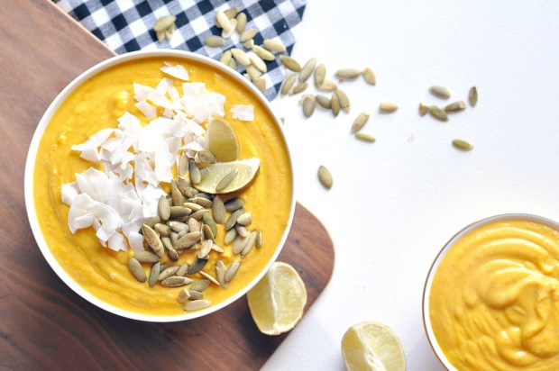 vegan-sweet-potato-carrot-coconut-thai-soup