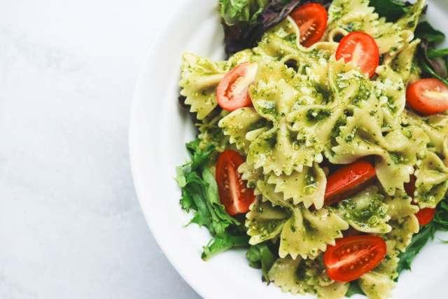 triggers behind food cravings