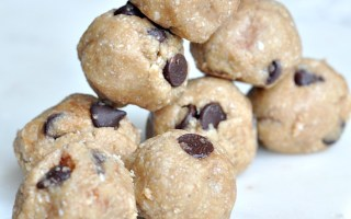 no bake peanut butter coconut and oat energy balls