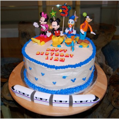 The Complete Story of How I Made a Mickey Mouse Cake (Including the Disaster Photos)