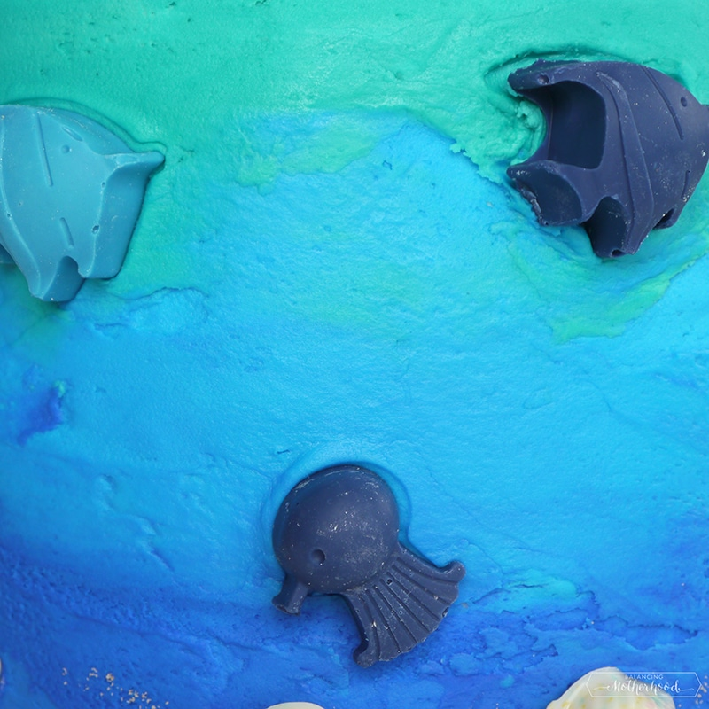 undersea cake with chocolate candies