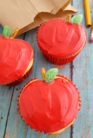 Apple-Shaped Cupcakes Featured Image