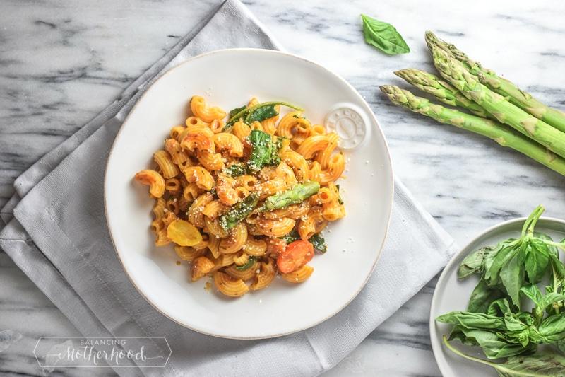 Enjoy this sumptuous roasted tomato pasta recipe!