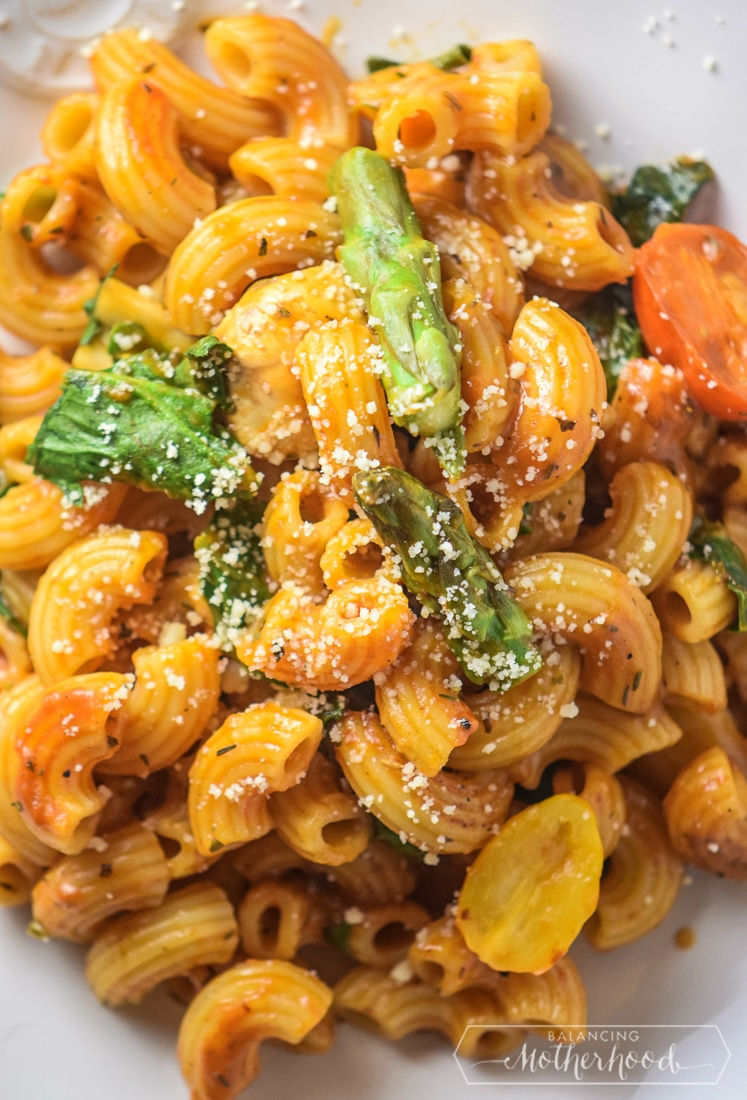 Enjoy this sumptuous roasted tomato pasta recipe!