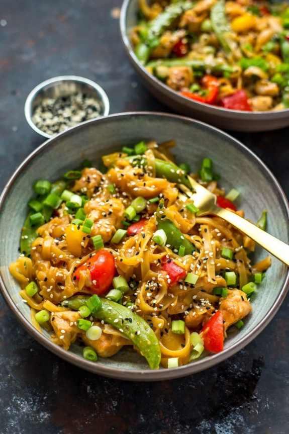Instant-Pot-Honey-Sesame-Chicken-Noodle-Bowls-9