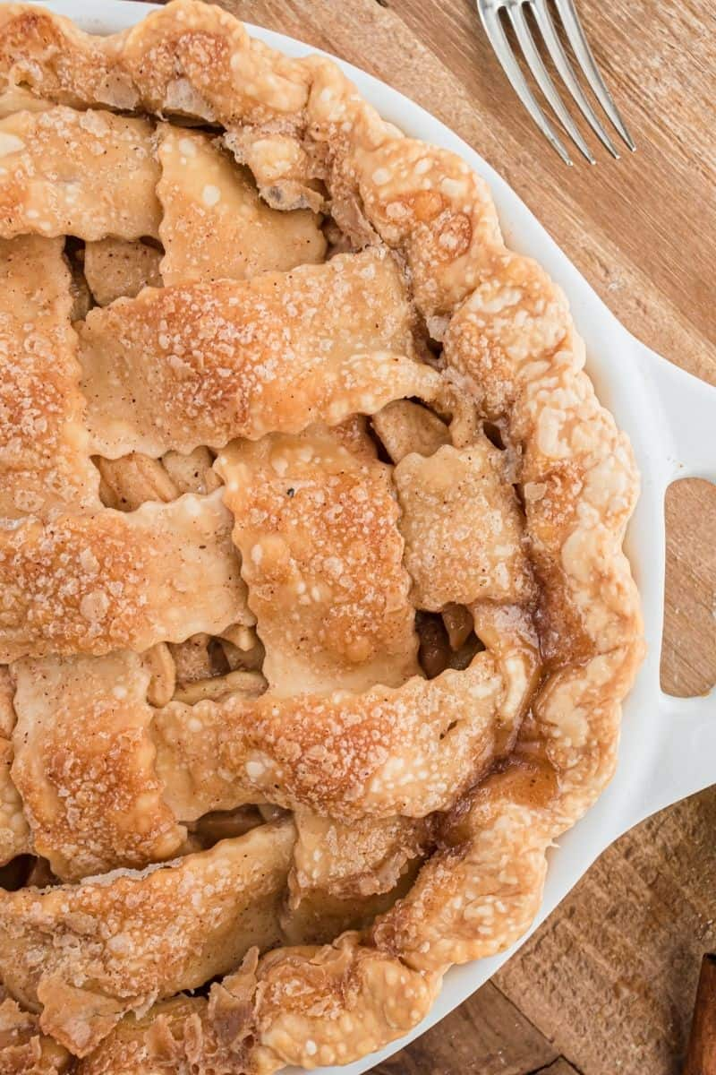 apple pie with weave crust