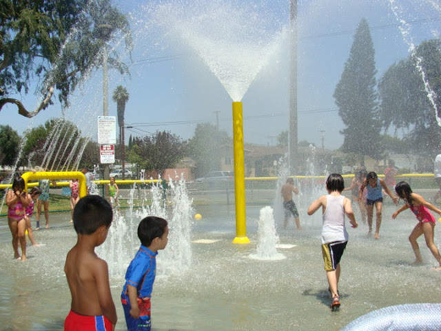 Lemon Park Spray Pool