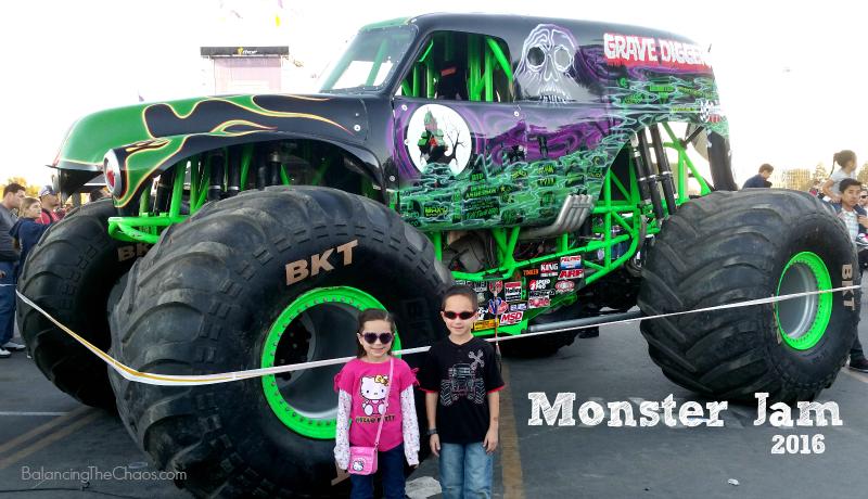 Monster Jam 2016 Grave Digger