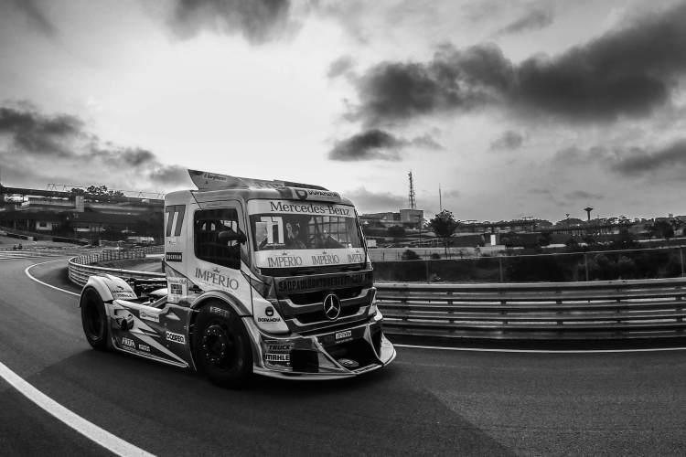 Copa Truck Caminhão Pista Preto e Branco