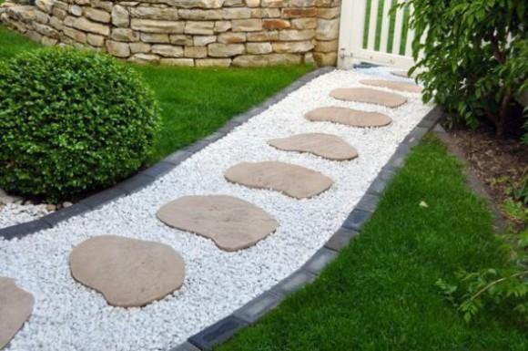 15 Amazing Garden Path Ideas | Balcony Garden Web on Stepping Stone Patio Ideas  id=99119