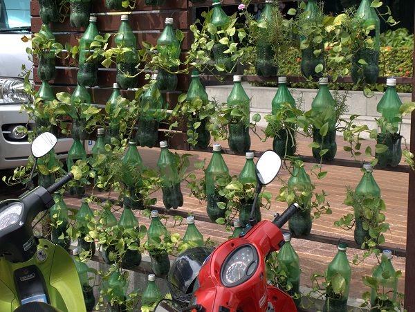 Diy Wine Bottle Ideas For The Garden 26 Uses Balcony Web
