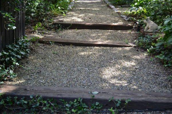 19 DIY Garden Path Ideas With Tutorials | Balcony Garden Web on Sloping Garden Path Ideas  id=21645