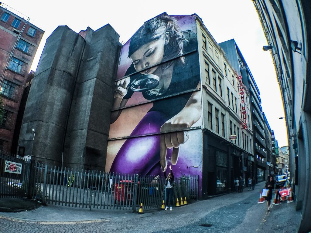 Glasgow Murals - Magnifying glass