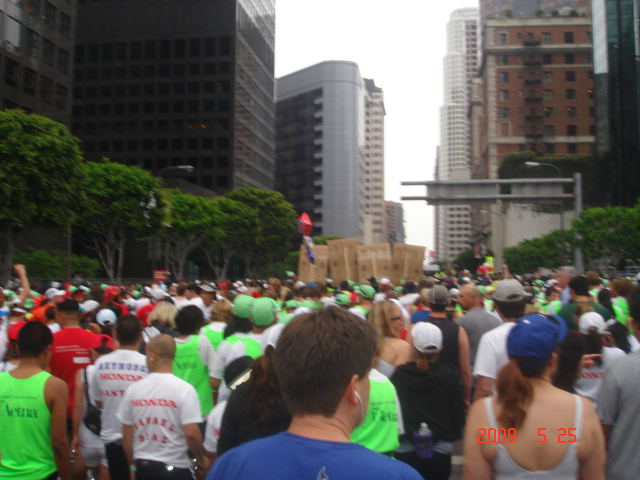 The Runners & Starting Area Crowd