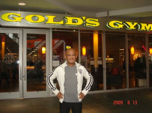 Gold's Gym | Bald Runner