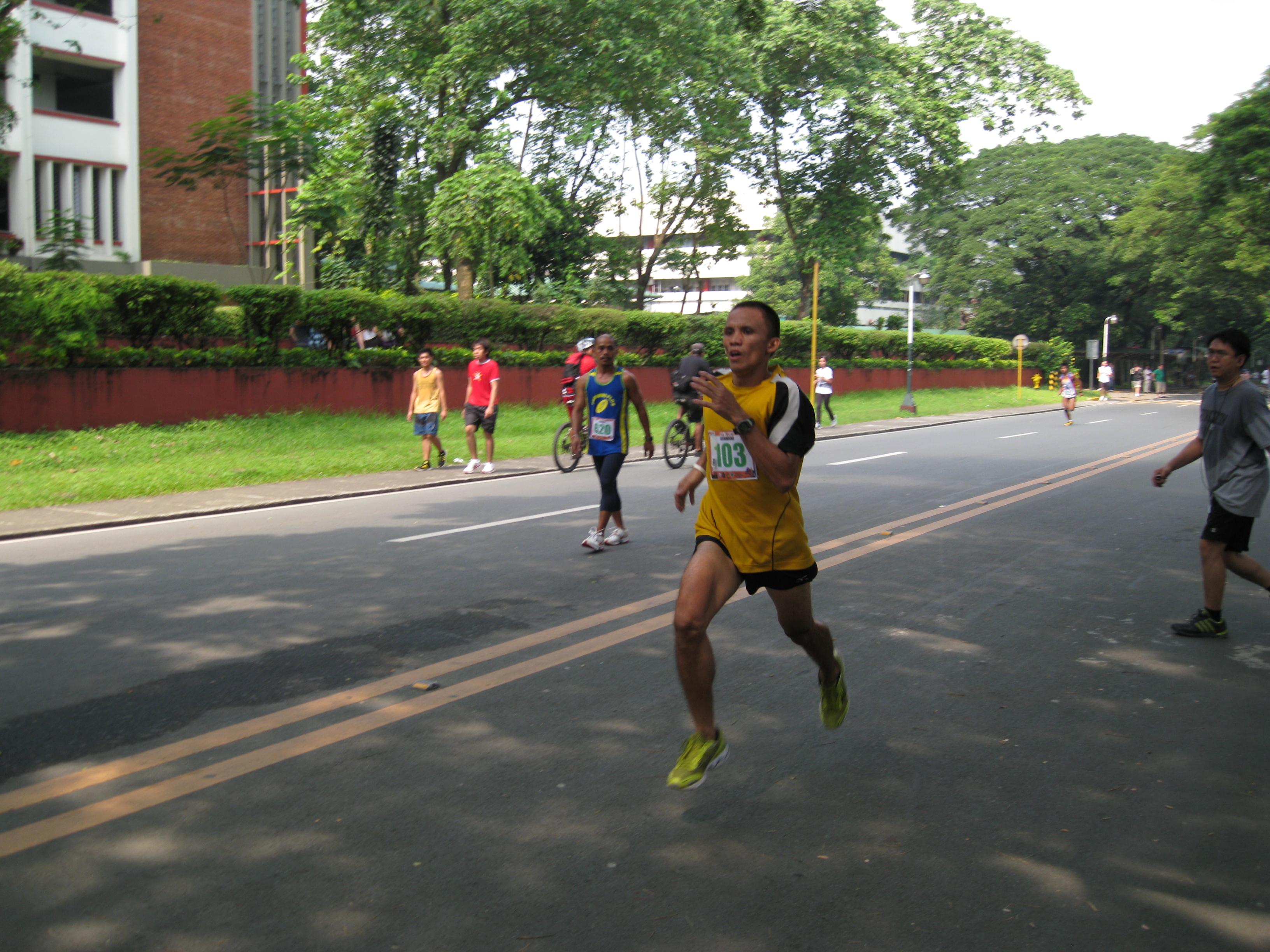 """The """"Flying"""" Alquin Bolivar @ the 1-MILE Street Run"""