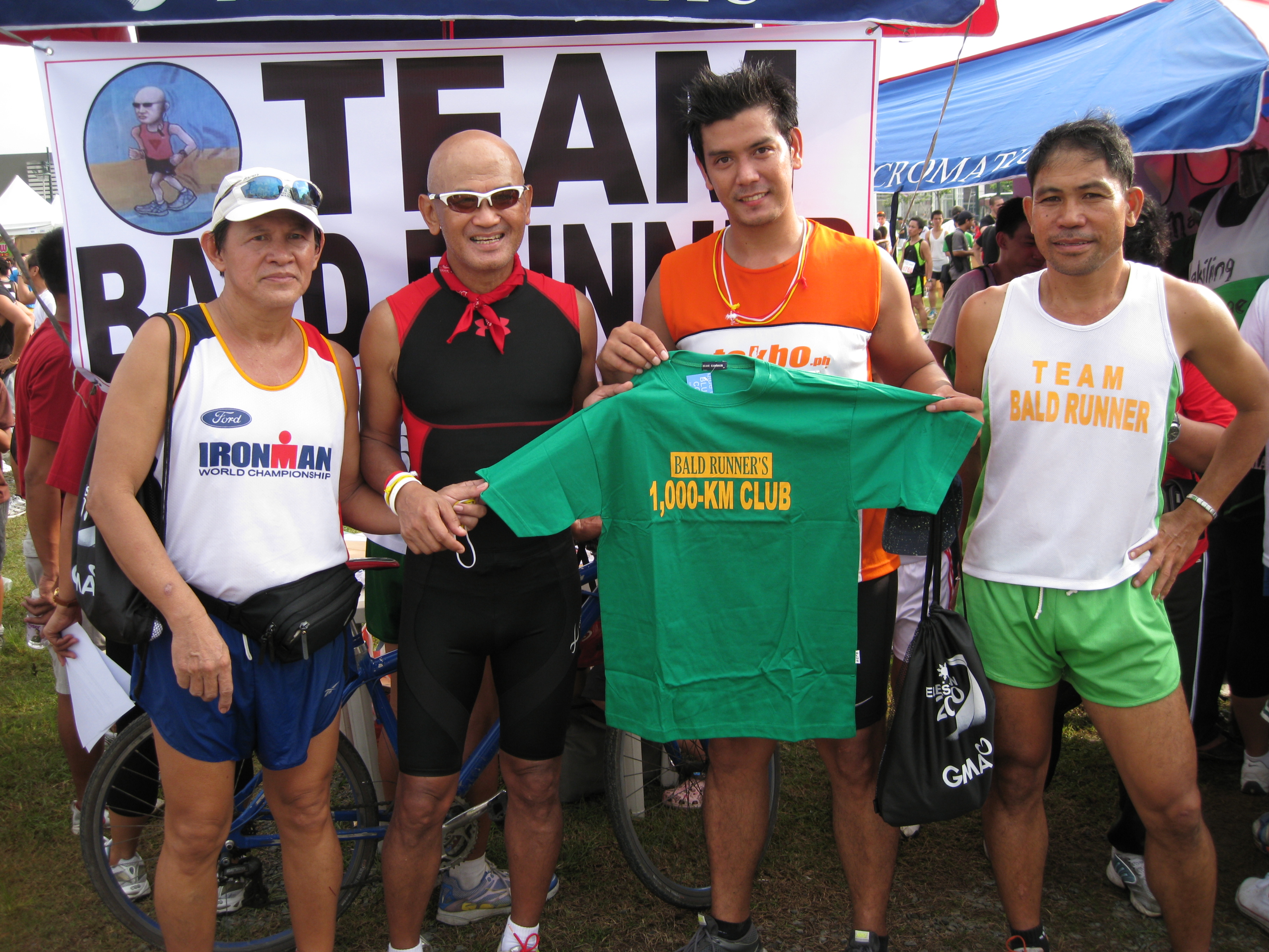 """Awarded """"1,000-Km Club"""" Finisher's T-Shirt To Joseph (On my left side)"""