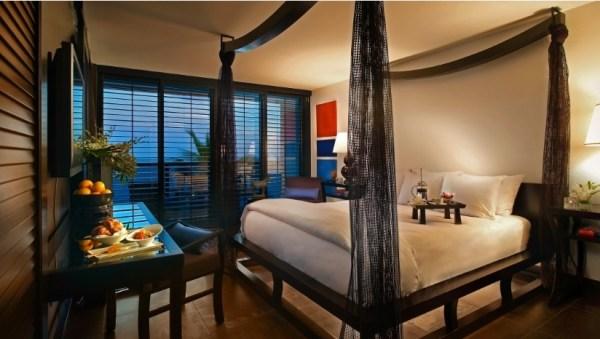 Kimpton Tideline Ocean Resort bedroom