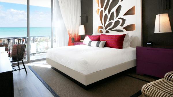 kimpton-seafire-resort-king-bedroom