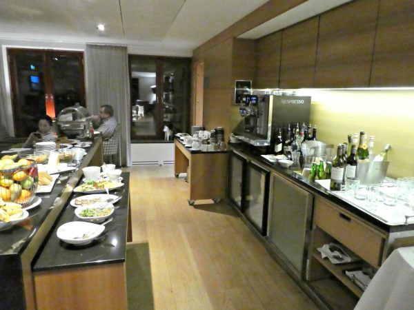 Hilton Stockholm Slussen Executive Lounge evening food & drinks