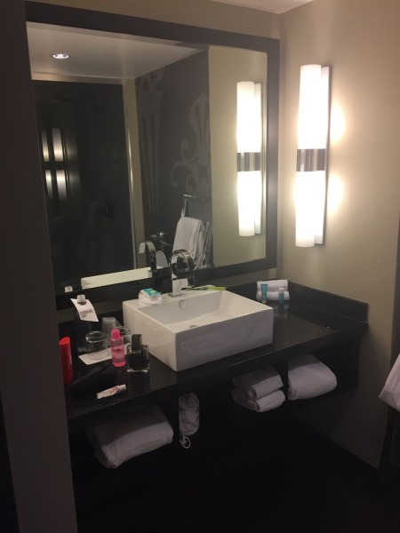 W Atlanta Midtown Hotel bathroom