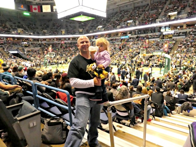 best things to do in Milwaukee Milwaukee Bucks game with Scarlett