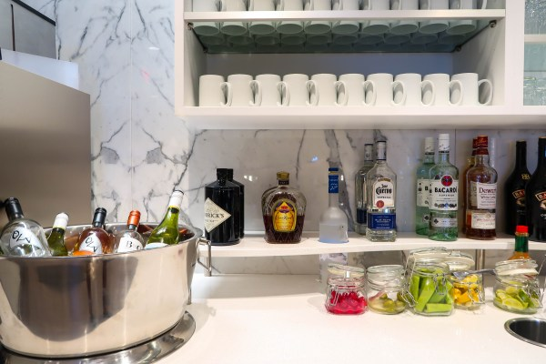 Delta Sky Club Lounge LAX Liquor