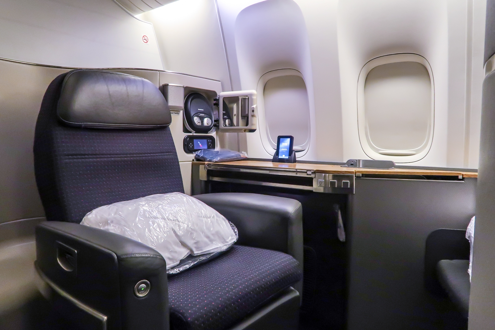 American Airlines First Class 777 300er Lax To Hkg