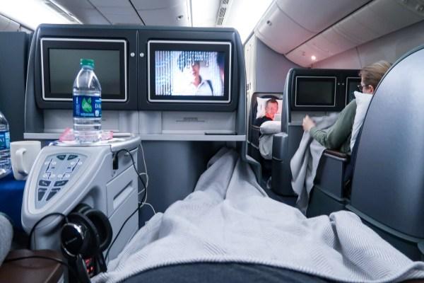 United Airlines Polaris 777-200 Sleep
