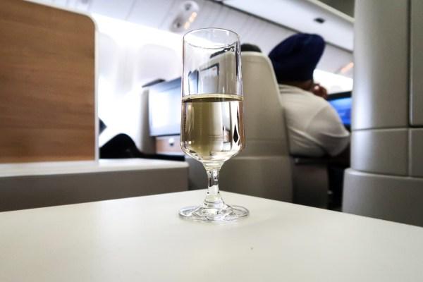 Swiss Air Business Class 777-300ER Swiss Air Champagne