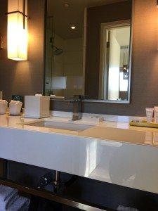 Kimpton Hotel Wilshire Santa Monica suite bathroom
