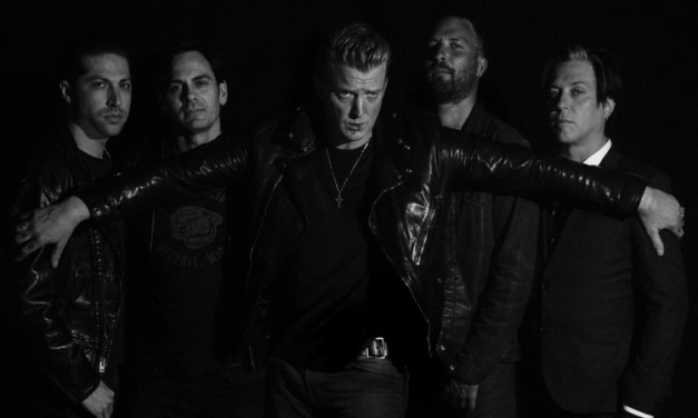 Queens of the Stone Age estrean vídeo para 'Head Like a Haunted House'